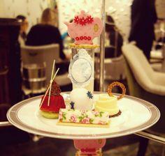 So so pretty!  #afternoontea #langham #london #foodie #foodgasm #foodporn #finechina #dessert #sweets #afternoonteatime #wedgwood #rose #regentstreet #tea #teapot #teatime #teabreak #tealover #teaaddict #thelangham #thisislondon #yummy #ukig #igersuk #iglondon #ig_london #instafood #instagood #igerslondon #instalondon by arinainlondonland