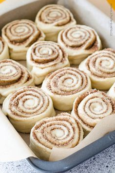Daisy Lane Cakes: Cinnamon Rolls, Part 2 my go to recipe for cinnamon rolls Czech Desserts, Mini Desserts, Sweet Desserts, Sweet Recipes, Delicious Desserts, Yummy Food, Baking Recipes, Dessert Recipes, Oven Chicken Recipes