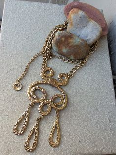 Vintage awesome groovy white stone layered  necklace