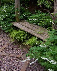 Oak-Shaded Landscape Gardening - Craig Bergmann, Craig Bergmann Landscape Design, Inc::photo by Linda Oyama Bryan. Shade Landscaping, Outdoor Landscaping, Outdoor Gardens, Landscaping Ideas, Pergola Ideas, Wooded Backyard Landscape, Landscape Curbing, Pergola Kits, Small Gardens