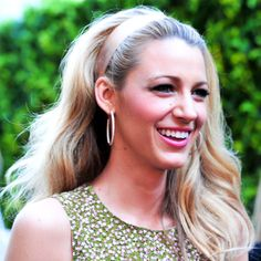 '60s hair is making a comeback in a big way this season. The Starlet: Blake Lively's silk ribbon marks the difference between basic big waves and mod big waves.