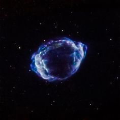 What triggered the most recent supernova in our Milky Way? We now have a technique to find out. Astronomers had previously identified G1.90.3 as the remnant of the most recent supernova in our Galaxy. It is estimated to have occurred about 110 years ago in a dusty region of the Galaxy that blocked visible light from reaching Earth. The new research with archival Chandra X-ray Observatory and the Jansky Very Large Array data examines how the expanding supernova remnant G1.00.3 interacts with…