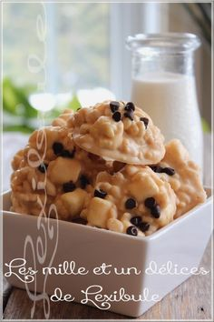~ Crispy rice biscuit and baked white chocolate ~, Rice Krispies, Rice Krispie Treats, Cookie Recipes, Dessert Recipes, Christmas Treats, Christmas Cookies, Fritters, Easy Desserts, Fudge