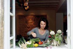 Marlene van der Westhuizen Cook's Club cooking classes in Cape Town - Eatsplorer Magazine Cooking Classes, Cape Town, South Africa, Van, Good Things, Magazine, Club, Random, Book