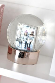 Glitter Snow Globes You Can Customize with Your Own Photos Wall Desk, Desk Chair, Kid Rooms, Little Girl Rooms, Frame Wall Decor, Frames On Wall, Pink Succulent, Pink Desk, Space Projects