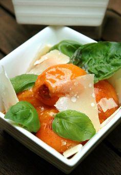 Ensalada de albaricoques, parmesano y albahaca - Recetas vegetarianas - 10 recetas vegetarianas