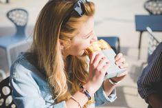 La pausa pranzo degli studenti universitari