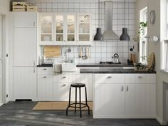 IKEA SEKTION kitchens can be completely customized, with thousands of combinations to choose from. And for do-it-yourselfers, IKEA kitchens are designed for easy setup. Ikea Metod Kitchen, White Ikea Kitchen, Ikea Kitchen Design, Kitchen Decor, Ikea Kitchens, Space Kitchen, White Kitchens, Kitchen Modern, Kitchen Storage