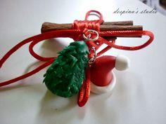 despina's studio: Γούρια από πολυμερικό πηλό για το 2015 polymer clay christmas tree and Santa hat Polymer Clay Christmas, Pasta Flexible, Xmas Decorations, Christmas Ornaments, Holiday Decor, Fimo, Christmas Jewelry, Christmas Decorations, Christmas Door Decorations