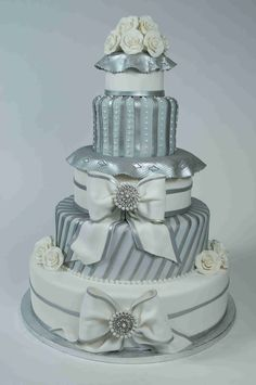 Bows & brooches wedding cake by Palermo's Bakery