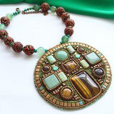 "Купить Колье-кулон ""Амазонка"" - украшения ручной работы, украшение на шею, бижутерия авторская Bead Embroidery Jewelry, Beaded Embroidery, Seed Bead Jewelry, Beaded Jewelry, Jewellery, Woven Bracelets, Bead Weaving, Jewelry Trends, Beaded Earrings"