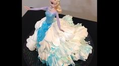 How to make a Elsa Barbie doll cake. This is an easy, and fun DIY cake to make. It can be easily altered for your little princesses favorite colors too. Liz Creates a Buttercream Elsa From Frozen With the Help of Frozen Doll Cake, Elsa Doll Cake, Frozen Dolls, Elsa Frozen, Disney Frozen, Frozen Cake Decorations, Lily Cake, Buttercream Cake Decorating, Elsa Cakes