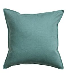 PREMIUM QUALITY. Cushion cover in washed linen with concealed zip.