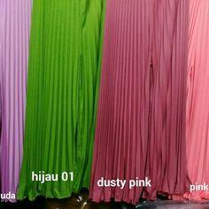 Kulot payung Idr.116rb Stok warna : hitam, putih, pink dusty, Dongker/navy, ungu terong, mocca, coklat tua, merah cabe, biru muda, kuning kunyit, orange, fushia, marun, merah bata, hijau tosca, hijau army, hijau botol, - model payung - bahan plisket/jersy ( 9igh quality ) - lingkar pinggang : 70 - 110 cm - panjang celana : 95 cm di pingggang ada karetnya jadi bisa melar  #kulot #kulotmurah #celanawanita #celana #hijab #hijabfashion #fashion #geoktaviane