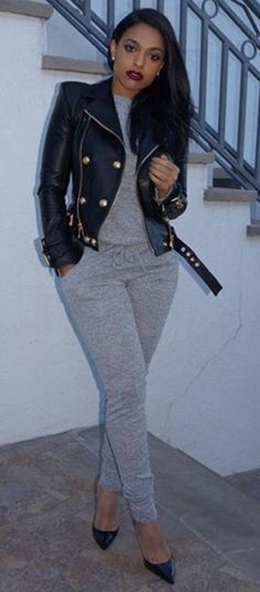 J A C K E T ❤️Pinterest: @ Rachel Sheena.. my blk jumper, grey or brwn leather jacket, blk shoes