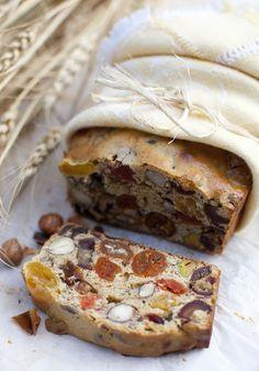 Gâteau de fruits secs et de noix - Fruit and nut bread