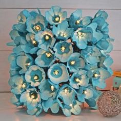 Best egg carton crafts has best egg carton flowers, wreaths, organizers, kids crafts and more made with styrofoam cartons (also egg trays and egg boxes). Kids Crafts, Crafts To Make, Home Crafts, Easy Crafts, Craft Projects, Summer Crafts, Upcycled Crafts, Recycled Art, Diy Projects Out Of Recycled Materials