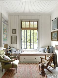 Have you ever seen a window seat you didn't like? In fact, having a window seat is up there at the top of our wish list for the new house, along with a… Elle Decor, Small Living, Living Spaces, Living Rooms, Modern Living, Living Room Designs, Living Room Decor, Family Room, Home And Family