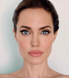 Take a look at the best Angelina Jolie makeup in the photos below and get ideas for your cute outfits! Kylie Jenner / Angelina Jolie lips without injections – makeup / lip tutorial from Mellifluous Mermaid – how to get… Continue Reading → Angelina Jolie Fotos, Angelina Jolie Makeup, Angelina Jolie Wedding, Angelina Joile, Beauty Makeup, Hair Beauty, Eye Makeup, Makeup Style, Beauty Care
