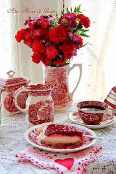 Red and white transferware for tea time on Valentines' Day. Dresser La Table, Red Cottage, White Dishes, My Funny Valentine, Valentines, Red Kitchen, Vintage Dishes, White Decor, High Tea
