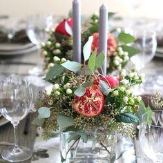 6 Fresh Ideas for Rosh Hashanah Centerpieces Rosh Hashana Decorations, Armenian Christmas, Pomegranate Wedding, Haft Seen, Jewish Celebrations, Yom Kippur, Centerpieces, Table Decorations, Rosh Hashanah