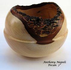 Anthony Napoli [I like the change in radius - gives the spherical shape life]. Wood Turned Bowls, Turned Wood, Wood Bowls, Vases, Bowl Turning, Wood Worker, Wood Turning Projects, Craft Art, Woodturning