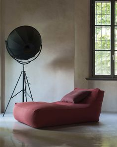 Zoe pouf - Verzelloni - The collection: XL armchair, Large, Small, Baby, Chaise Longue pouf also in Outdoor version European Furniture, Luxury Furniture, Modern Furniture, Furniture Design, Home Yoga Room, Home Suites, Wood Daybed, Modul Sofa, Comfy Bedroom