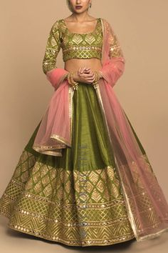 Olive & Pink Mirrorwork L Mehendi Outfits, Indian Bridal Outfits, Indian Designer Outfits, Half Saree Designs, Lehenga Designs, Party Wear Lehenga, Party Wear Dresses, Bridal Dresses, Indian Lehenga