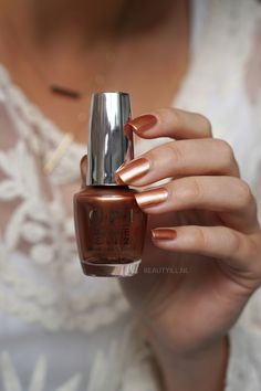 OPI California Dreaming swatches sweet caramel sunday