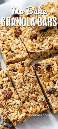 Easy chewy granola bars are my go-to snack and grab-and-go breakfast. Made with oats, Rice Krispies, coconut, honey and their favorite add-ins like dried fruit, chocolate or nuts. It& a homemade snack they are sure to love! No Bake Granola Bars, Healthy Granola Bars, Chewy Granola Bars, Homemade Granola Bars, Granola Bar Recipe Honey, Best Granola Bars, Rice Krispies, Fruit Sec, Fruit And Nut Bars