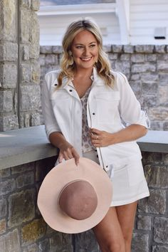 Who doesn't love a set… two pieces, endless options! Check out our picks for the perfect transitioning sets this season. #mudpiegift #sliceofpie #shopthelook #matchingsets #linen Mud Pie Gifts, Beach Tunic, Beach Cover Ups, We Are Love, Women's Summer Fashion, Two Pieces, Leggings Fashion, Day Dresses, Party Dress