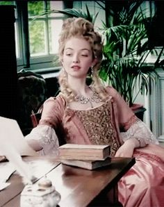 To be an history addict — Alexia Giordano as Jeanne Bécu, comtesse Du Barry,. 18th Century Dress, 18th Century Costume, Medieval Dress, Medieval Fantasy, Story Inspiration, Character Inspiration, 1700s Dresses, Versailles, Victorian Hairstyles