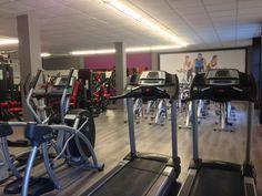 Vista de sala de fitness