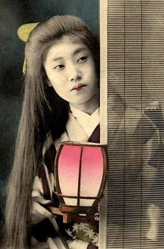 """MAIKO WITH HER HAIR DOWN -- Waiting for """"Big Sister"""" Geisha to Come Home, via Flickr."""