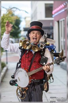 One Man Band Eric Haines. Eric's one man band is like the one that Dick Van Dyke's character Bert used in Mary Poppins. Band On The Run, Steampunk, Balloon Modelling, Street Musician, Brass Band, Music People, Batman Art, Sound Of Music, Sweet Life