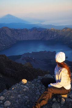 English: Highlights from trek to Mount Rinjani - Summit 3 726m - Starbox