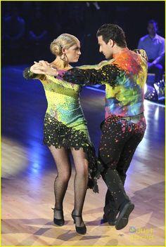 "Mark Ballas & Willow Shields danced an alternative Argentine Tango to Gotye & Kimbra's ""Somebody That I Used to Know"" - Season 20 - Week 2 - Spring 2015 - score - 8+8+8+8 = 32"
