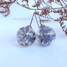 Авторські прикраси (Handmade) в Instagram: «Модель #089 Ніжні сережки з весняними пролісками. Ручна робота. Фурнітура з медичної сталі (не темніє та не викликає алергії чи…» Christmas Bulbs, Holiday Decor, Nature, Jewelry, Home Decor, Naturaleza, Jewlery, Decoration Home, Christmas Light Bulbs