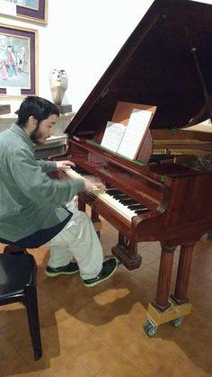 Songtradr - AlfredoMarioFigueras