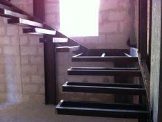scala con gradini a sbalzo, Bari, 2011 - Savino Nicola