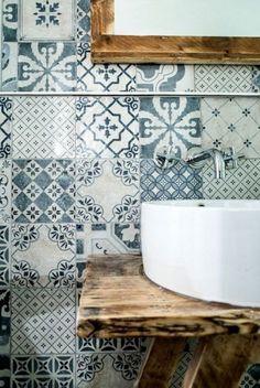 divers carreaux de salle de bain avec un design moderne