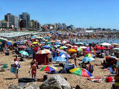 Playa. Mar, sol y arena, en Mar del Plata, Argentina.