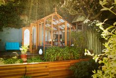 8 Gorgeous Greenhouses That Have Us Wanting To Become Botanists (PHOTOS)