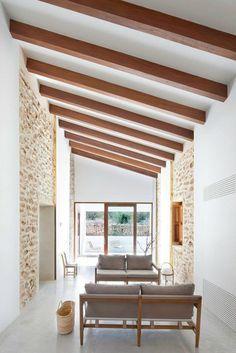 Haus Renovierung Holz Balken Dachschräge Sitzbank