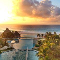 Summer sunset - The Westin Lagunamar Ocean Resort Villas & Spa #svnlife #cancun