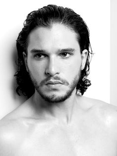 Kit Harington encantador de corações, não só por ser lindo, mas...esse Jon Snow, acaba com qualquer um.