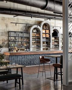 Shortlisted for the 2017 Restaurant & Bar Design Awards, these restaurants are doing us proud overseas with their gorgeous interior design. Bar Interior Design, Restaurant Interior Design, Cafe Design, Bar A Vin, Café Bar, Bar Design Awards, Cafe Bar Counter, Deco Restaurant, Pub Decor
