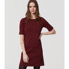 LOFT Redhot Shift Dress (1.235 ARS) ❤ liked on Polyvore featuring dresses, deep garnet, chevron pattern dress, chevron print dress, zip back dress, loft dresses and garnet dress