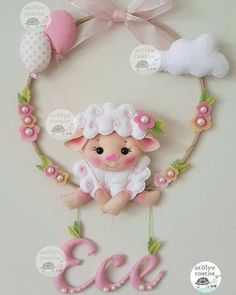 Sheep in Felt - Molds - Easy Felt - Molds and Apostles- Ovelhinha em Feltro – Moldes – Feltro Fácil – Moldes e Apostilas – Crochetforno… Sheep in Felt – Molds – Easy Felt – Molds and Handouts – Crochetfornovices … - Sheep Crafts, Baby Crafts, Felt Crafts, Crafts To Make And Sell, Diy And Crafts, Felt Wreath, Baby Mobile, Felt Decorations, Felt Patterns