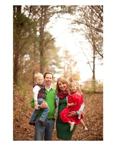 Family Portraits l Southern Cotton Photography #southerncottonphotography #alabamaphotographer #woodedsessions #familysessions